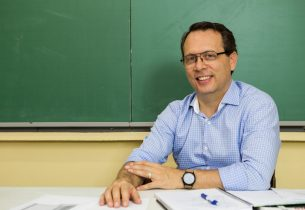 Até o dia 21, educadores podem propor melhorias para sua formação