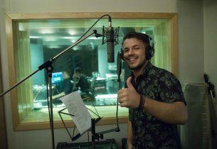 Vencedor do concurso Vozes pela Igualdade grava com Rick Bonadio