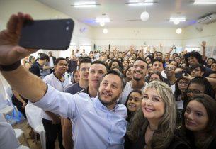 João Cury realiza visita Ribeirão Preto para debater educação com alunos da região
