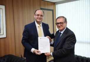 Em ofício, secretário solicita parceria com o Ministério da Educação