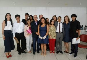 Secretário executivo Haroldo Rocha visita escolas em São Vicente