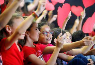 """""""Quem Cuida de Mim"""", o projeto que reconhece a importância de quem educa"""