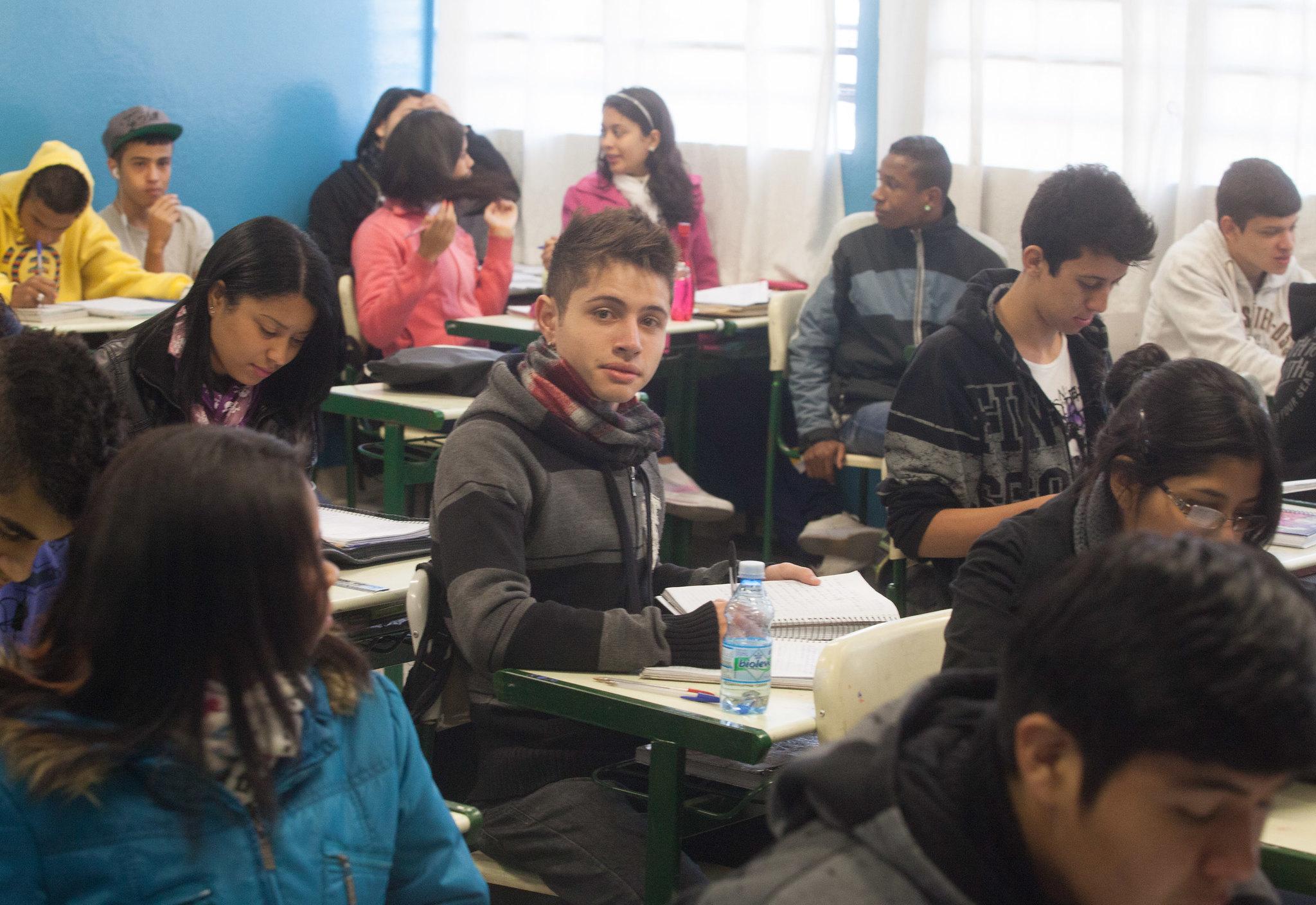 Alief Bianco Romero da Costa, aluno da E E Maria Augusto de Avila, que vai prestar vestibular para area de Medicina. São Paulo/SP 29.08