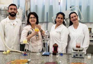 Estudantes de Química da rede criam canudos biodegradável e comestível