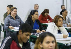 Educação de Jovens e Adultos terá mais tempo de aulas virtuais durante a pandemia