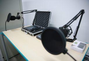 #MãoNaMassa: Aula do Centro de Inovação de SP ensina a criar uma rádio jovem