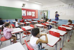 Escolas seguem abertas para estudantes em situação de vulnerabilidade