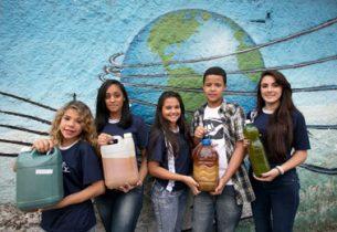 Escola da rede arrecada óleo de cozinha em projeto ambiental