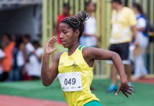Jovem com deficiência visual é medalhista da rede nas Paralimpíadas Escolares