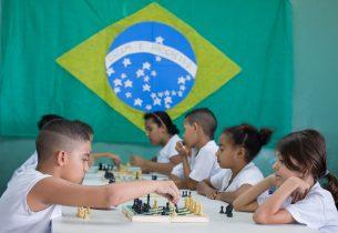 Xadrez é opção de diversão e aprendizado nas escolas estaduais