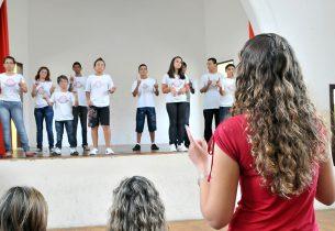 Escola da rede se transforma em polo de atendimento a alunos portadores de deficiência