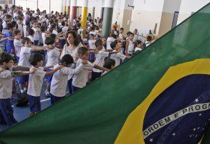 'Agita Galera' quebra a rotina de alunos da rede estadual com atividades voltadas à saúde