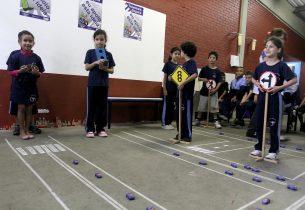 Estudantes da EJA participam de atividades de educação para o trânsito na Rede Lucy Montoro