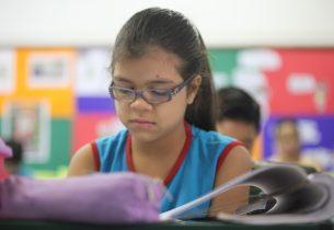 """""""Coruja da Leitura"""" estimula leitura e ilustração em escola da rede estadual"""