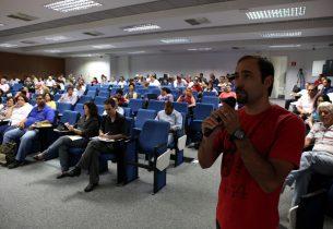 Seminário discute criatividade e pensamento crítico na escola